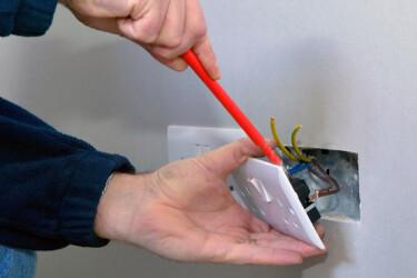 розетка электрика ремонт