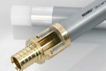 установка труб рехау